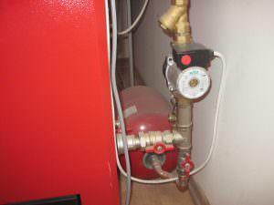 Foto 8. valvola di sicurezza per normalizzazione della pressione